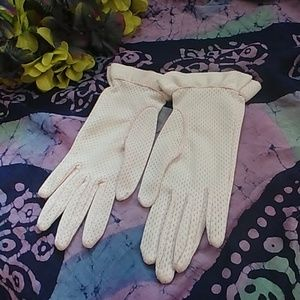 Women's Vintage Mesh Pale Pink Gloves